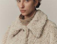 LOW CLASSIC韩国设计师品牌20秋冬单排扣翻领毛绒中长款外套
