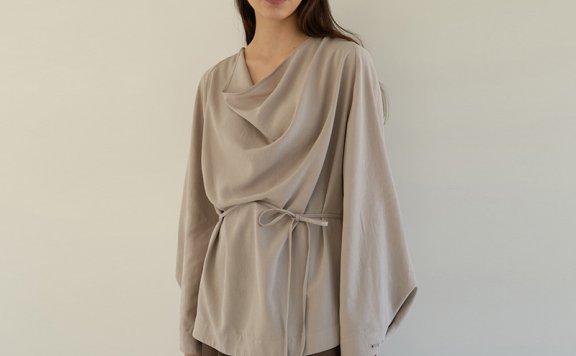 正品代购韩国设计师品牌MOHAN 2021春款不规则领口侧边纽扣衬衫