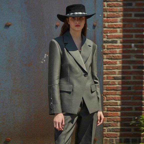 andersson bell韩国设计师品牌2021春款后开拆羊毛丝质西装外套