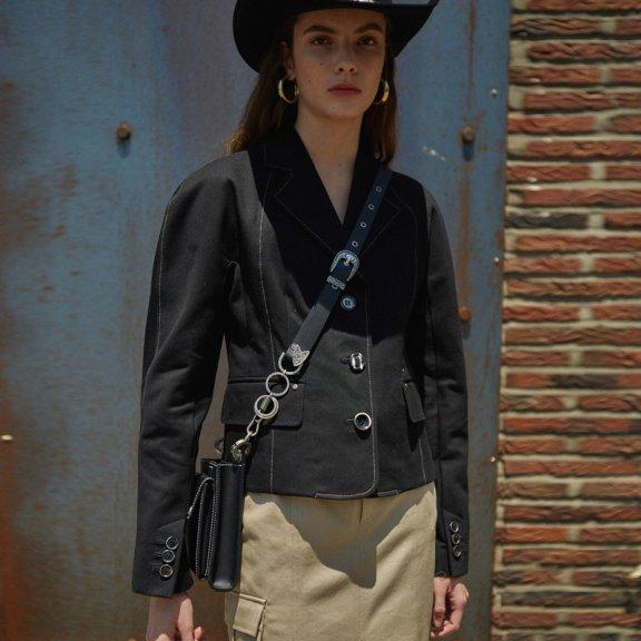韩国设计师品牌2021春款andersson bell不规则纽扣短款西装外套
