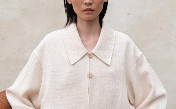 韩国设计师品牌LE 17 SEPTEMBRE 2021春款纯棉两粒扣长袖短款衬衫