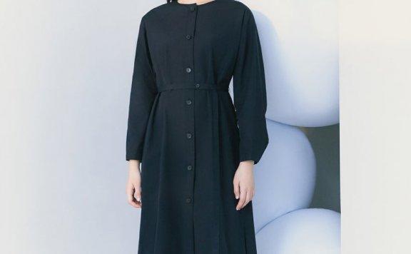 kuho plus韩国设计师品牌2021春夏款圆领单排扣收腰长袖连衣裙