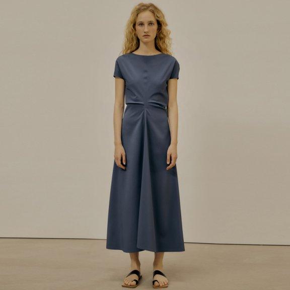 LOW CLASSIC 2021春夏连衣裙韩国设计师品牌一字领褶皱收腰短袖裙