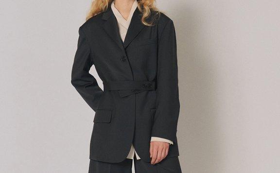 2021春夏 MAISONMARAIS 韩国设计师品牌法式设计感腰带款西装外套