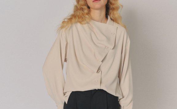 MAISONMARAIS韩国设计师品牌2021春夏不规则领口纽扣设计长袖衬衫