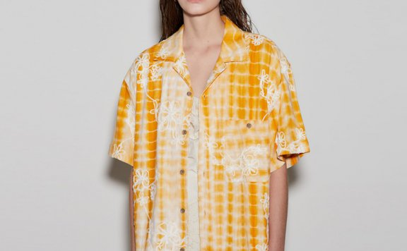 正品anderssonbell 韩国设计师品牌 21春夏 扎染花朵刺绣短袖衬衫