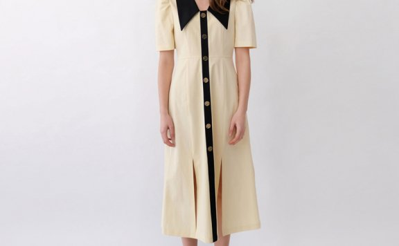 正品代购韩国设计师品牌THE ASHLYNN 21春夏尖领单排扣开叉连衣裙
