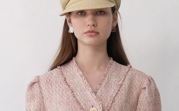 韩国设计师品牌THE ASHLYNN 21春夏学院风LOGO款八角帽报童帽