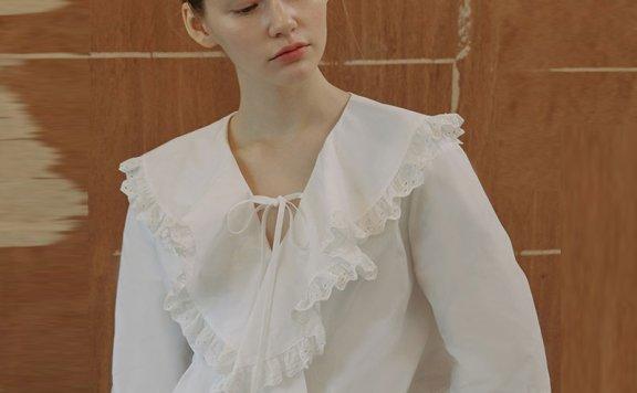 vocavaca韩国设计师品牌 21春夏法式花瓣堆堆领褶边系带中袖衬衫