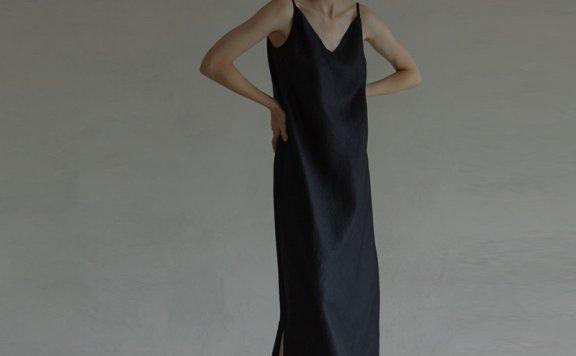 正品韩国设计师品牌 H8 21夏 简约风垂挂款侧开叉亚麻吊带连衣裙