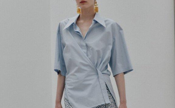 MUSEE韩国设计师品牌 21春夏 纯棉翻领褶皱中袖侧开叉衬衫上衣