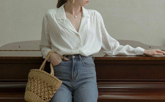 LENINA 韩国设计师品牌 21夏 法式蕾丝领垂感单排扣长袖衬衫上衣