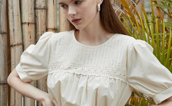 正品代购JOORTI 韩国设计师品牌 21春夏 纯棉圆领细褶花边上衣