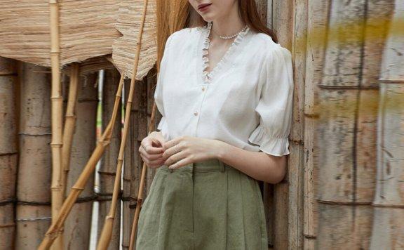正品代购JOORTI 韩国设计师品牌 21春夏 烟领单排扣白色短袖衬衫