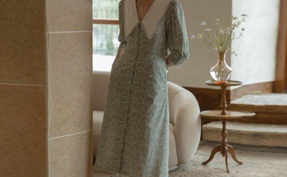 韩国设计师品牌 LENINA 21夏复古大翻领排扣碎花蕾丝边长款连衣裙