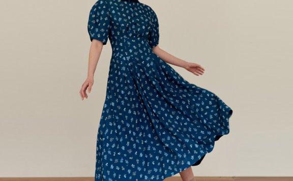 正品AND YOU 韩国设计师品牌 21夏款 海军碎花短袖压褶长连衣裙