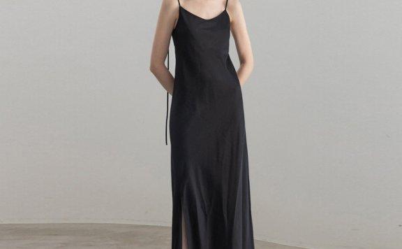 正品代购Refined902 韩国设计师品牌 21夏款 前开叉吊带长连衣裙