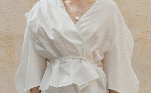 正品代购J.Chung 韩国设计师品牌 21夏 纯棉V领拼色褶皱系腰衬衫