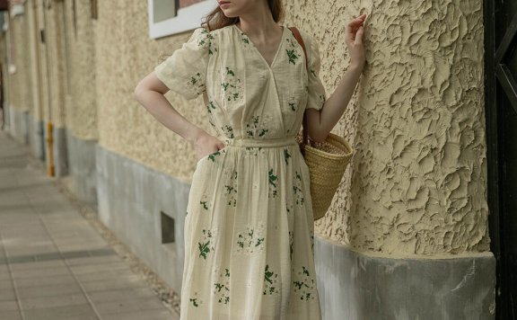 LENINA 21夏 韩国设计师品牌 V领满印碎花收腰显瘦连衣裙正品直邮