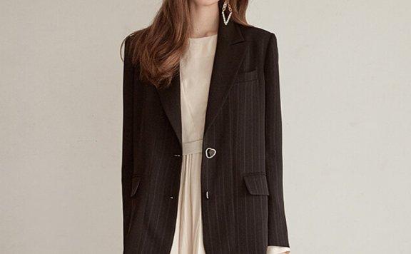 韩国设计师品牌 ETMON 21夏 复古休闲时尚条纹心形纽扣西装外套