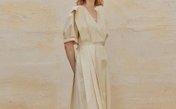正品J.Chung 韩国设计师品牌 21夏 纯色V领收腰系带褶裥连衣裙