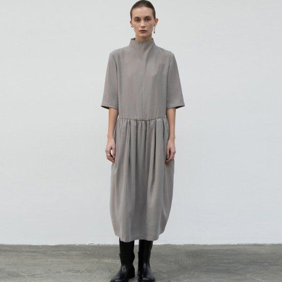 lowclassic 21秋冬 韩国设计师品牌 半高领印花七分袖连衣裙直邮
