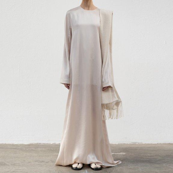 lowclassic 21秋冬 韩国设计师品牌 圆领长袖醋酸长连衣裙拖地裙