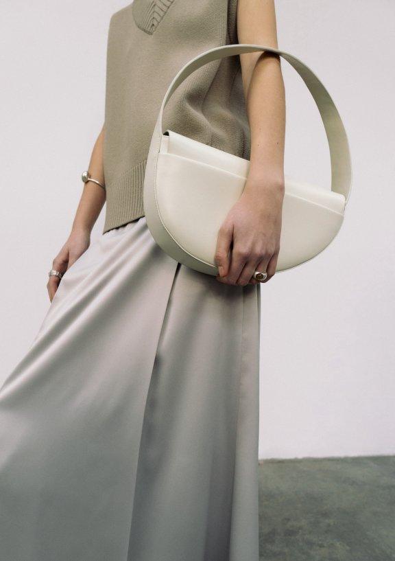 lowclassic 21秋冬 韩国设计师品牌 手提宽肩带半圆弧形腋下包