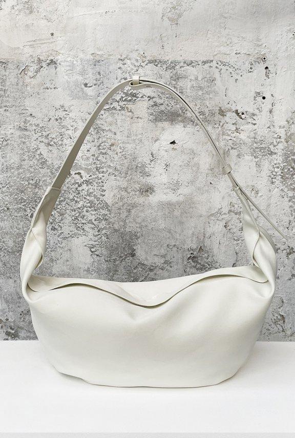 lowclassic 21秋冬 韩国设计师品牌 宽肩带大容量饺子包腋下包