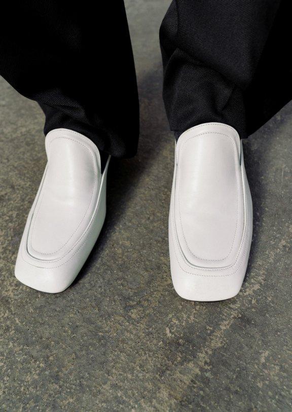 lowclassic 21秋冬 韩国设计师品牌 纯色方头百搭牛皮皮鞋正品