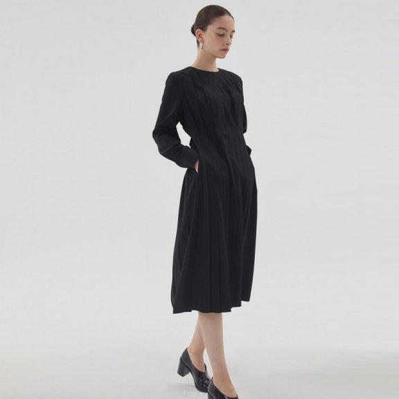HAE BY HAEKIM 韩国设计师品牌 21秋冬 圆领压褶收腰长袖连衣裙