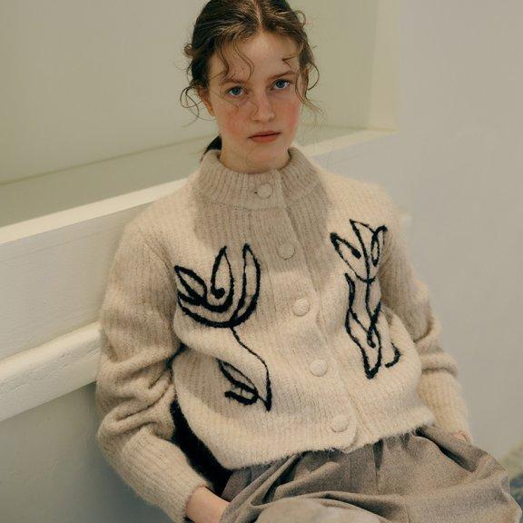 韩国设计师品牌MAISONMARAIS 21秋冬 单排扣花朵羊驼毛开衫外套