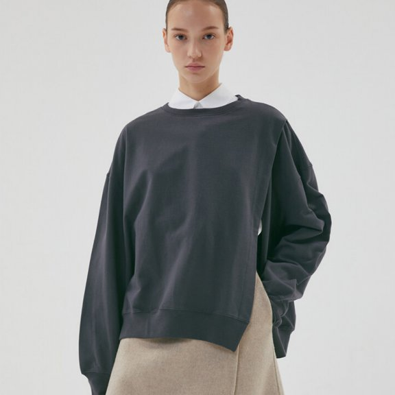HAE BY HAEKIM 韩国设计师品牌 21秋冬 纯棉圆领开叉运动衫直邮