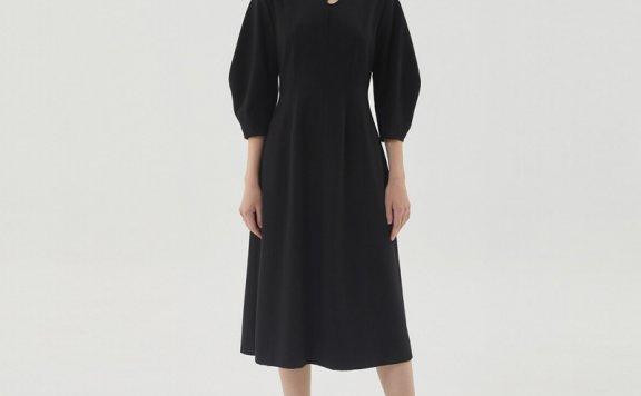 HAE BY HAEKIM 韩国设计师品牌 21秋冬镂空领褶线长袖收腰连衣裙