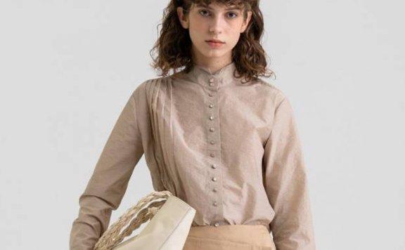 KINDERSALMON 21秋冬 韩国设计师品牌 褶皱半高领纽扣衬衫上衣