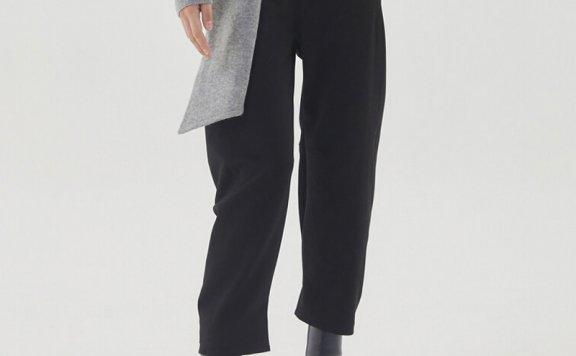 韩国设计师品牌HAE BY HAEKIM  21秋冬 裤脚纽扣设计气球裤长裤