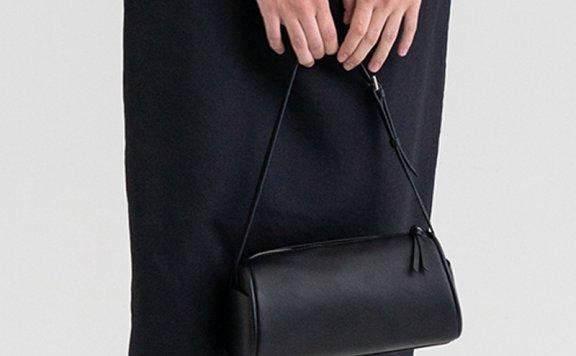 正品代购KINDERSALMON 21秋冬 韩国设计师品牌 复古风牛皮枕头包