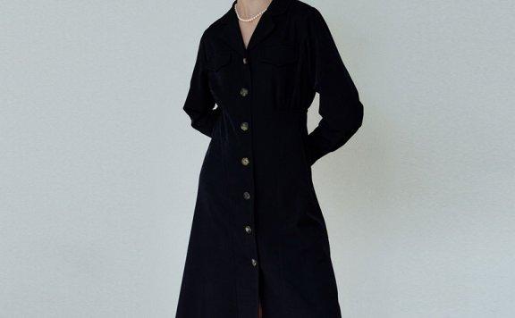 韩国设计师品牌Hackesch 21秋冬 西装领单排扣收腰系带长款连衣裙