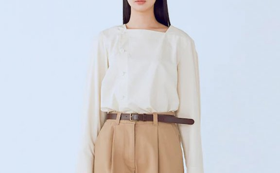 kuho plus韩国设计师品牌 21秋冬 方领纽扣简约白带长袖衬衫上衣