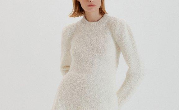 正品EENK 韩国设计师品牌 21秋冬 慵懒风圆领不对称针织套头毛衣